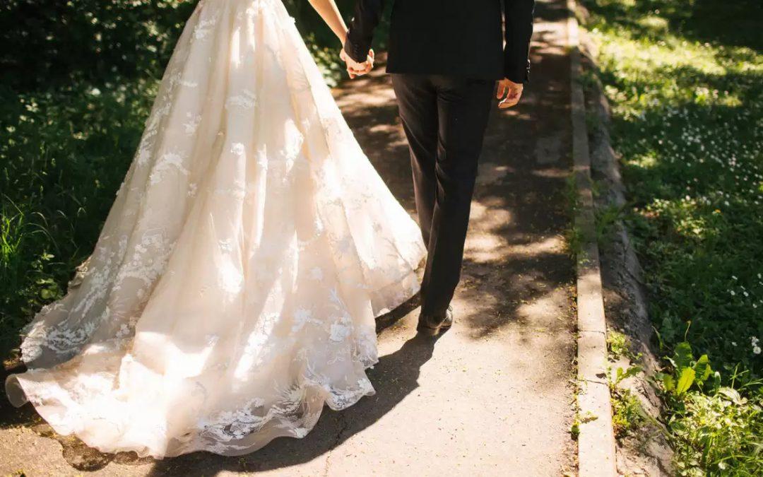 Van bruidstaart tot boeket: dit geven we uit aan een bruiloft